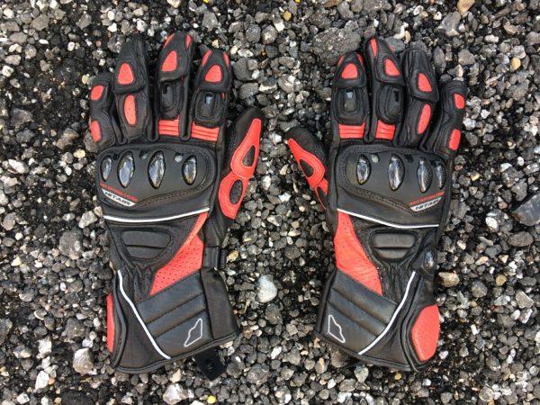 Glove R3